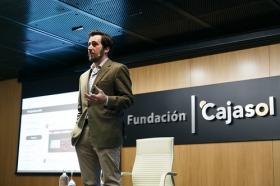 "II Ciclo Fundación Cajasol en un Tuit: Tristán Elósegui (9) • <a style=""font-size:0.8em;"" href=""http://www.flickr.com/photos/129072575@N05/25700225137/"" target=""_blank"">View on Flickr</a>"