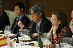 """Visita del Embajador de Japón en España a la Fundación Cajasol (16) • <a style=""""font-size:0.8em;"""" href=""""http://www.flickr.com/photos/129072575@N05/26293096768/"""" target=""""_blank"""">View on Flickr</a>"""