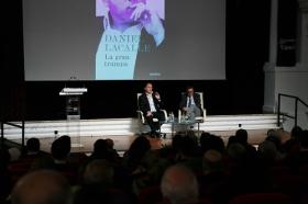 """Presentación del libro 'La gran trampa', de Daniel Lacalle, en la Fundación Cajasol (7) • <a style=""""font-size:0.8em;"""" href=""""http://www.flickr.com/photos/129072575@N05/27270239029/"""" target=""""_blank"""">View on Flickr</a>"""