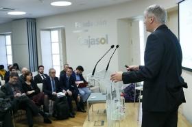 """Jornada 'La Financiación de las Comunidades Autónomas. Un debate necesario' en la Fundación Cajasol (6) • <a style=""""font-size:0.8em;"""" href=""""http://www.flickr.com/photos/129072575@N05/40316736452/"""" target=""""_blank"""">View on Flickr</a>"""