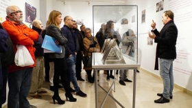 "Exposición 'Paco Alba 1918-2018' en la Fundación Cajasol (8) • <a style=""font-size:0.8em;"" href=""http://www.flickr.com/photos/129072575@N05/26112982878/"" target=""_blank"">View on Flickr</a>"