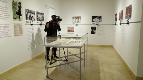 "Exposición 'Paco Alba 1918-2018' en la Fundación Cajasol (13) • <a style=""font-size:0.8em;"" href=""http://www.flickr.com/photos/129072575@N05/26112983758/"" target=""_blank"">View on Flickr</a>"