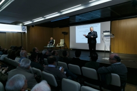 "Programa Talento Nobel 2018: Conferencia del Dr. Erwin Neher (7) • <a style=""font-size:0.8em;"" href=""http://www.flickr.com/photos/129072575@N05/39541234685/"" target=""_blank"">View on Flickr</a>"