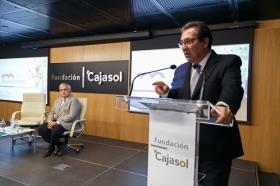 """Clausura IV Programa '100 Caminos al Éxito' en la Fundación Cajasol (16) • <a style=""""font-size:0.8em;"""" href=""""http://www.flickr.com/photos/129072575@N05/25259468408/"""" target=""""_blank"""">View on Flickr</a>"""