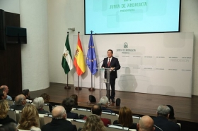 "Presentación del documental 'Un ideal andaluz' (8) • <a style=""font-size:0.8em;"" href=""http://www.flickr.com/photos/129072575@N05/38993470084/"" target=""_blank"">View on Flickr</a>"