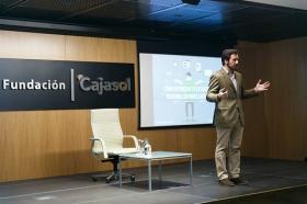 "II Ciclo Fundación Cajasol en un Tuit: Tristán Elósegui (2) • <a style=""font-size:0.8em;"" href=""http://www.flickr.com/photos/129072575@N05/25700224017/"" target=""_blank"">View on Flickr</a>"