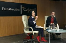 """Presentación del libro 'El hombre que no deberíamos ser' en Sevilla (9) • <a style=""""font-size:0.8em;"""" href=""""http://www.flickr.com/photos/129072575@N05/39232564265/"""" target=""""_blank"""">View on Flickr</a>"""