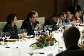 """Visita del Embajador de Japón en España a la Fundación Cajasol (18) • <a style=""""font-size:0.8em;"""" href=""""http://www.flickr.com/photos/129072575@N05/39267332305/"""" target=""""_blank"""">View on Flickr</a>"""