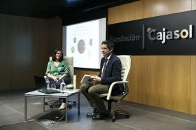 """Presentación del libro 'Recetas para vivir con salud' de Odile Fernández, en la Fundación Cajasol (12) • <a style=""""font-size:0.8em;"""" href=""""http://www.flickr.com/photos/129072575@N05/38895283940/"""" target=""""_blank"""">View on Flickr</a>"""