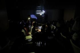"""Programa educativo: 'Ilumina. Fenómenos lumínicos' en Córdoba (7) • <a style=""""font-size:0.8em;"""" href=""""http://www.flickr.com/photos/129072575@N05/38896058770/"""" target=""""_blank"""">View on Flickr</a>"""