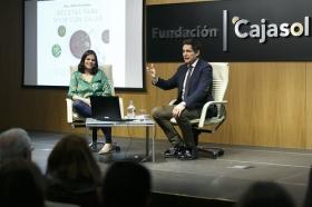 """Presentación del libro 'Recetas para vivir con salud' de Odile Fernández, en la Fundación Cajasol (14) • <a style=""""font-size:0.8em;"""" href=""""http://www.flickr.com/photos/129072575@N05/40705851371/"""" target=""""_blank"""">View on Flickr</a>"""