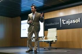 "II Ciclo Fundación Cajasol en un Tuit: Tristán Elósegui (7) • <a style=""font-size:0.8em;"" href=""http://www.flickr.com/photos/129072575@N05/26699215348/"" target=""_blank"">View on Flickr</a>"