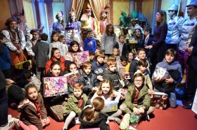 "Entrega de juguetes de Reyes Magos 2019 en Cádiz • <a style=""font-size:0.8em;"" href=""http://www.flickr.com/photos/129072575@N05/32740805188/"" target=""_blank"">View on Flickr</a>"