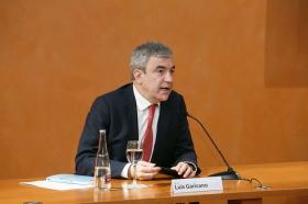 """Conferencia de Luis Garicano 'El contraataaque liberal. Entre el vértigo tecnológico y el caos populista' en el Instituto de Estudios Cajasol (14) • <a style=""""font-size:0.8em;"""" href=""""http://www.flickr.com/photos/129072575@N05/46966395581/"""" target=""""_blank"""">View on Flickr</a>"""