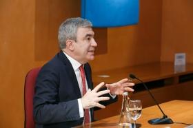 """Conferencia de Luis Garicano 'El contraataaque liberal. Entre el vértigo tecnológico y el caos populista' en el Instituto de Estudios Cajasol (10) • <a style=""""font-size:0.8em;"""" href=""""http://www.flickr.com/photos/129072575@N05/46966395211/"""" target=""""_blank"""">View on Flickr</a>"""