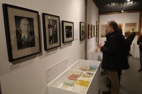 "Exposición 'El infinito Borges' en Córdoba (35) • <a style=""font-size:0.8em;"" href=""http://www.flickr.com/photos/129072575@N05/32867994618/"" target=""_blank"">View on Flickr</a>"
