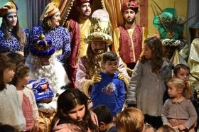 "Entrega de juguetes de Reyes Magos 2019 en Cádiz (12) • <a style=""font-size:0.8em;"" href=""http://www.flickr.com/photos/129072575@N05/46615036081/"" target=""_blank"">View on Flickr</a>"