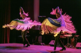 """Jueves Flamencos de la Fundación Cajasol en Sevilla: Rubén Olmo y Eduardo Leal (16) • <a style=""""font-size:0.8em;"""" href=""""http://www.flickr.com/photos/129072575@N05/45390233714/"""" target=""""_blank"""">View on Flickr</a>"""