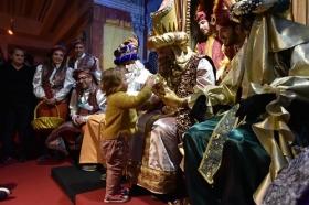 "Entrega de juguetes de Reyes Magos 2019 en Cádiz (5) • <a style=""font-size:0.8em;"" href=""http://www.flickr.com/photos/129072575@N05/46615035251/"" target=""_blank"">View on Flickr</a>"