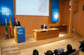 """Conferencia de Luis Garicano 'El contraataaque liberal. Entre el vértigo tecnológico y el caos populista' en el Instituto de Estudios Cajasol (34) • <a style=""""font-size:0.8em;"""" href=""""http://www.flickr.com/photos/129072575@N05/32025539797/"""" target=""""_blank"""">View on Flickr</a>"""