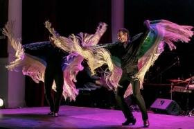"""Jueves Flamencos de la Fundación Cajasol en Sevilla: Rubén Olmo y Eduardo Leal • <a style=""""font-size:0.8em;"""" href=""""http://www.flickr.com/photos/129072575@N05/46114070441/"""" target=""""_blank"""">View on Flickr</a>"""