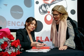 """Presentación del libro 'Flamenca', de Raquel Revuelta, en la Fundación Cajasol (2) • <a style=""""font-size:0.8em;"""" href=""""http://www.flickr.com/photos/129072575@N05/32824815498/"""" target=""""_blank"""">View on Flickr</a>"""