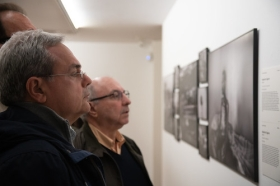 "Exposición World Press Photo 2019 en Sevilla (19) • <a style=""font-size:0.8em;"" href=""http://www.flickr.com/photos/129072575@N05/32753362827/"" target=""_blank"">View on Flickr</a>"