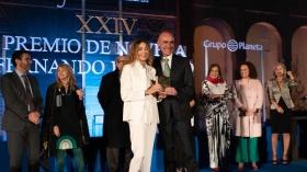 "Gala XXIV Premio de Novela Fernando Lara en Sevilla (18) • <a style=""font-size:0.8em;"" href=""http://www.flickr.com/photos/129072575@N05/40788286653/"" target=""_blank"">View on Flickr</a>"
