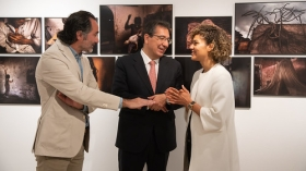 "Exposición World Press Photo 2019 en Sevilla (4) • <a style=""font-size:0.8em;"" href=""http://www.flickr.com/photos/129072575@N05/46780484125/"" target=""_blank"">View on Flickr</a>"