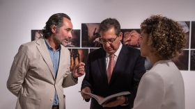 "Exposición World Press Photo 2019 en Sevilla (23) • <a style=""font-size:0.8em;"" href=""http://www.flickr.com/photos/129072575@N05/46780486235/"" target=""_blank"">View on Flickr</a>"