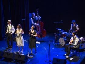 "IX ciclo Cita con las Músicas en Sevilla: O'Sister (11) • <a style=""font-size:0.8em;"" href=""http://www.flickr.com/photos/129072575@N05/47949904142/"" target=""_blank"">View on Flickr</a>"