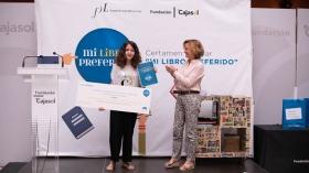 """Entrega de premios del VI concurso 'Mi libro preferido' en la Fundación Cajasol (2) • <a style=""""font-size:0.8em;"""" href=""""http://www.flickr.com/photos/129072575@N05/48137007126/"""" target=""""_blank"""">View on Flickr</a>"""