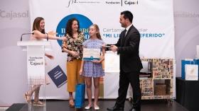 """Entrega de premios del VI concurso 'Mi libro preferido' en la Fundación Cajasol (8) • <a style=""""font-size:0.8em;"""" href=""""http://www.flickr.com/photos/129072575@N05/48137039913/"""" target=""""_blank"""">View on Flickr</a>"""