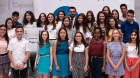 """Entrega de premios del VI concurso 'Mi libro preferido' en la Fundación Cajasol • <a style=""""font-size:0.8em;"""" href=""""http://www.flickr.com/photos/129072575@N05/48137039918/"""" target=""""_blank"""">View on Flickr</a>"""
