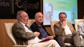 """Presentación de los premios Manuel Alvar y Antonio Domínguez Ortiz 2019 en Sevilla (5) • <a style=""""font-size:0.8em;"""" href=""""http://www.flickr.com/photos/129072575@N05/48137103182/"""" target=""""_blank"""">View on Flickr</a>"""