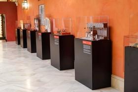 "Exposición 'Plastihistoria de la Música' en Sevilla (15) • <a style=""font-size:0.8em;"" href=""http://www.flickr.com/photos/129072575@N05/48678627326/"" target=""_blank"">View on Flickr</a>"