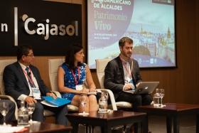 "IV Foro Iberoamericano de Alcaldes en la Fundación Cajasol (11) • <a style=""font-size:0.8em;"" href=""http://www.flickr.com/photos/129072575@N05/48744451373/"" target=""_blank"">View on Flickr</a>"