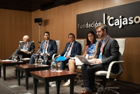 "IV Foro Iberoamericano de Alcaldes en la Fundación Cajasol (7) • <a style=""font-size:0.8em;"" href=""http://www.flickr.com/photos/129072575@N05/48744786231/"" target=""_blank"">View on Flickr</a>"