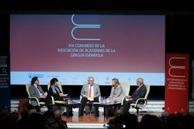 "XVI Congreso de ASALE en Sevilla (Lunes 4 de noviembre) (16) • <a style=""font-size:0.8em;"" href=""http://www.flickr.com/photos/129072575@N05/49014440551/"" target=""_blank"">View on Flickr</a>"