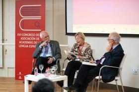 """XVI Congreso de ASALE en Sevilla (Miércoles 6 de noviembre) (41) • <a style=""""font-size:0.8em;"""" href=""""http://www.flickr.com/photos/129072575@N05/49027888506/"""" target=""""_blank"""">View on Flickr</a>"""