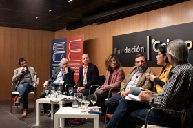 "XVI Congreso de ASALE en Sevilla (Jueves 7 de noviembre) (14) • <a style=""font-size:0.8em;"" href=""http://www.flickr.com/photos/129072575@N05/49032883767/"" target=""_blank"">View on Flickr</a>"