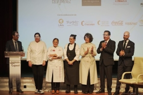 """VII Gala Andaluces Compartiendo en Sevilla (7) • <a style=""""font-size:0.8em;"""" href=""""http://www.flickr.com/photos/129072575@N05/49053658601/"""" target=""""_blank"""">View on Flickr</a>"""