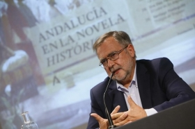 "Ciclo 'Andalucía en la Novela Histórica' en Córdoba: José Calvo Poyato (4) • <a style=""font-size:0.8em;"" href=""http://www.flickr.com/photos/129072575@N05/50505323923/"" target=""_blank"">View on Flickr</a>"