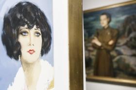 """Exposición 'Enrique Ochoa: La mirada en la mujer' en la Fundación Cajasol (26) • <a style=""""font-size:0.8em;"""" href=""""http://www.flickr.com/photos/129072575@N05/46459464314/"""" target=""""_blank"""">View on Flickr</a>"""