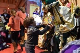 "Entrega de juguetes de Reyes Magos 2019 en Cádiz (10) • <a style=""font-size:0.8em;"" href=""http://www.flickr.com/photos/129072575@N05/46615035921/"" target=""_blank"">View on Flickr</a>"