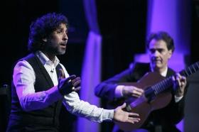 """Jueves Flamencos de la Fundación Cajasol en Sevilla: Arcángel y su espectáculo 'Tablao' (34) • <a style=""""font-size:0.8em;"""" href=""""http://www.flickr.com/photos/129072575@N05/33299139868/"""" target=""""_blank"""">View on Flickr</a>"""
