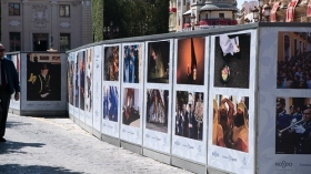 "VI Muestra de fotografías vineladas en la Semana Santa de Sevilla (7) • <a style=""font-size:0.8em;"" href=""http://www.flickr.com/photos/129072575@N05/47597121131/"" target=""_blank"">View on Flickr</a>"