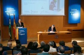 """Conferencia de Luis Garicano 'El contraataaque liberal. Entre el vértigo tecnológico y el caos populista' en el Instituto de Estudios Cajasol (32) • <a style=""""font-size:0.8em;"""" href=""""http://www.flickr.com/photos/129072575@N05/32025539687/"""" target=""""_blank"""">View on Flickr</a>"""