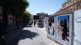 "VI Muestra de fotografías vineladas en la Semana Santa de Sevilla (6) • <a style=""font-size:0.8em;"" href=""http://www.flickr.com/photos/129072575@N05/47597121101/"" target=""_blank"">View on Flickr</a>"