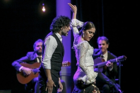"""Jueves Flamencos de la Fundación Cajasol en Sevilla: Arcángel y su espectáculo 'Tablao' (27) • <a style=""""font-size:0.8em;"""" href=""""http://www.flickr.com/photos/129072575@N05/32232642367/"""" target=""""_blank"""">View on Flickr</a>"""